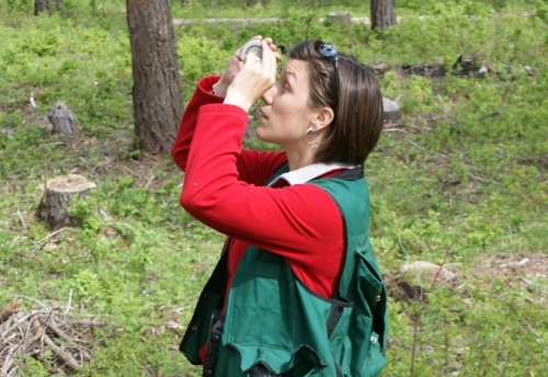 jamie-k-using-binoculars-forestry