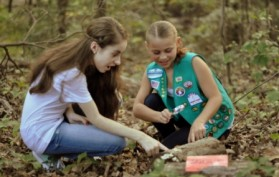 girl_scouts_rotten_log_activity