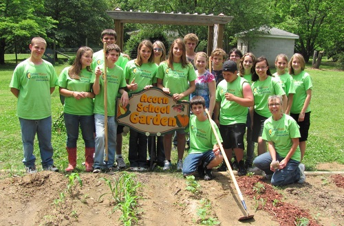 acorn-school-students-with-garden